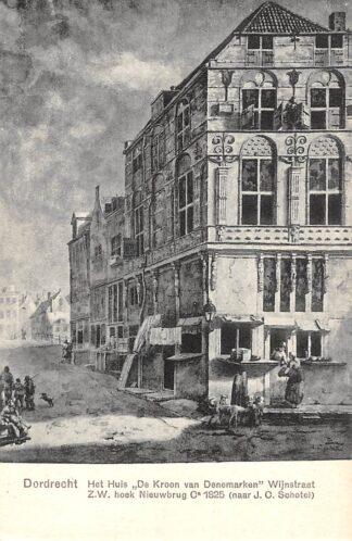 Ansichtkaart Dordrecht Het huis De Kroon van Denemarken Wijnstraat Z.W. hoek Nieuwbrug HC21799