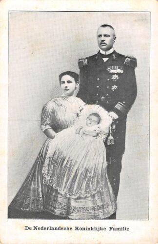 Ansichtkaart 's-Gravenhage De Nederlandsche Koninklijke Familie Wilhelmina Hendrik en Juliana Koningshuis HC21970