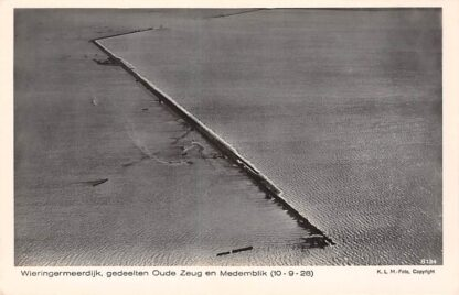 Ansichtkaart Wieringen Wieringermeerdijk gedeelten Oude Zeug en Medemblik 10-9-1928 Zuiderzee IJsselmeer KLM Luchtfoto no. 8134 HC22120