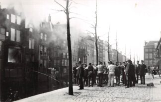 Ansichtkaart Zo was Dordrecht Pottenkade 1906 Brand Drogisterij Kohn a.d. Voorstraat HC22291