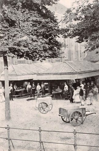 Ansichtkaart Zo was Dordrecht Visstraat 1868 Verkoop v.d. laatste steur HC22314