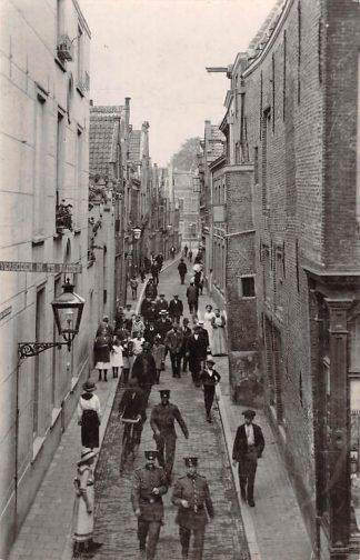 Ansichtkaart Zo was Dordrecht Vleeshouwerstraat omstreeks 1915 HC22315