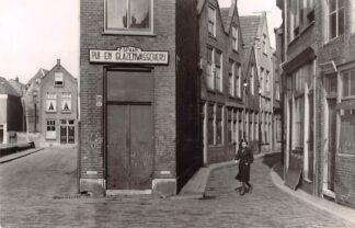 Ansichtkaart Zo was Dordrecht Nieuwkerksplein - Torenstraat 1939 HC22327