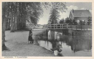 Ansichtkaart Woerden 't Plantsoen met vissers 1930 HC22537