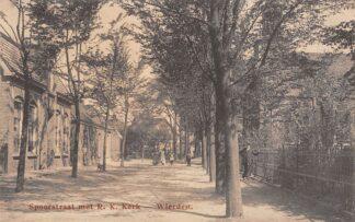 Ansichtkaart Wierden Spoorstraat met R.K. Kerk Almelo Twente HC22642