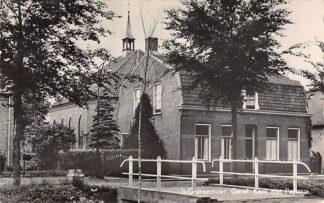 Ansichtkaart 's-Gravenmoer Gereformeerde Kerk met Pastorie 1956 Dongen HC22715
