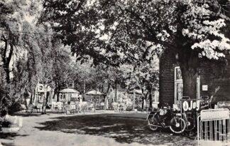 Ansichtkaart Moergestel Zandstraat 1 Café-Speeltuin 't Stokske 1964 Bromfiets Oisterwijk HC22741