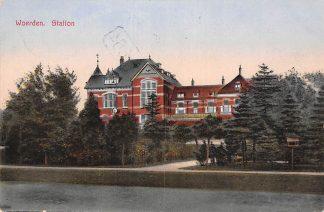 Ansichtkaart Woerden Station 1930 Spoorwegen HC22827