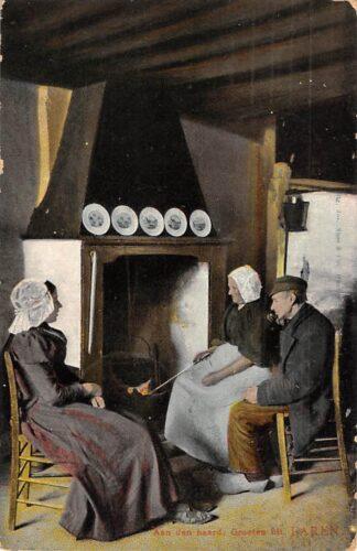 Ansichtkaart Laren (NH) Aan den haard Boerengezin in klederdracht 1911 HC22863