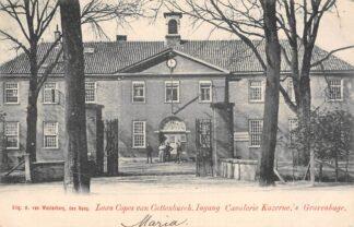 Ansichtkaart 's-Gravenhage Laan Copes van Cattenburch Ingang Cavalerie Kazerne met soldaten Militair 1903 HC22896