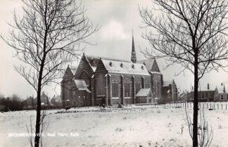 Ansichtkaart Brouwershaven Ned. Hervormde Kerk in de sneeuw Winter 1966 HC23097