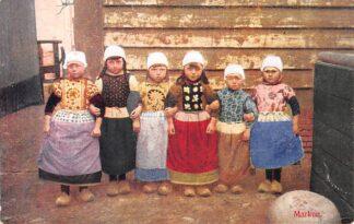 Ansichtkaart Marken zes kinderen in klederdracht HC23240