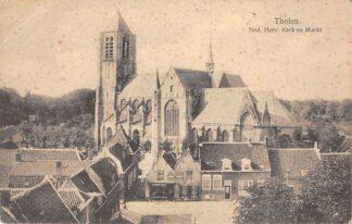 Ansichtkaart Tholen Ned. Hervormde Kerk met Markt HC23274