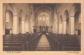Ansichtkaart 's-Gravenhage Kamperfoelieplein Kerk H. Familie HC23290