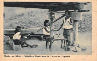 Ansichtkaart Filipijnen Philippijnen Missiën van Scheut Eerste lessen in 't weven en 't spinnen België Pilipinas Philippines Azië HC24081