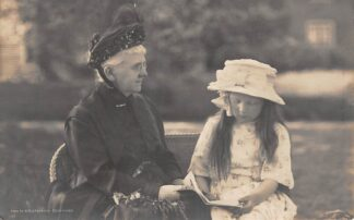 Ansichtkaart Koningshuis Koningin Emma met kleindochter Prinses Juliana HC24090