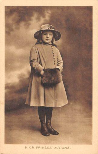 Ansichtkaart 's-Gravenhage H.K.H. prinses Juliana als jong meisje rond 1920 Koningshuis HC24104