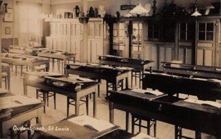 Ansichtkaart Oudenbosch Instituut St. Louis Klaslokaal Fotokaart HC24131