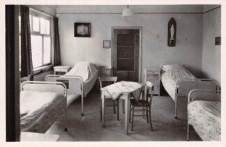 Ansichtkaart Oudenbosch Instituut St. Louis Ziekenkamer 1948 HC24147