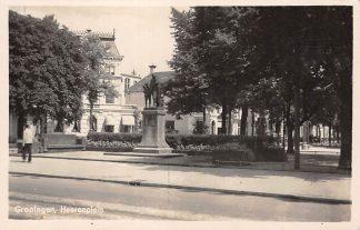 Ansichtkaart Groningen Heereplein met monument Fotokaart 1941 HC24170