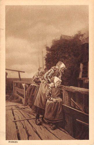 Ansichtkaart Marken Vissersvrouw en dochter in klederdracht 1922 HC24204