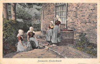 Ansichtkaart Zeeland Boerenmeisjes in klederdracht 1926 HC24231