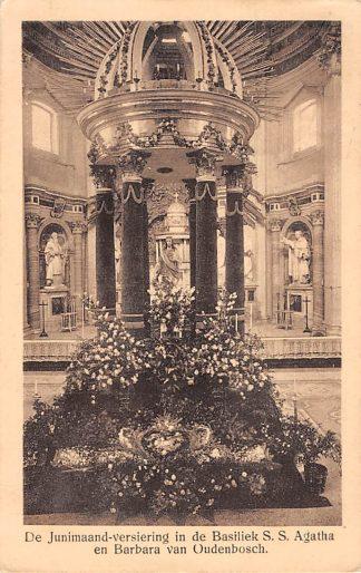 Ansichtkaart Oudenbosch De Junimaand-versiering in de Basiliek S.S. Agatha en Barbara van Oudenbosch 1920 Kerk HC24355