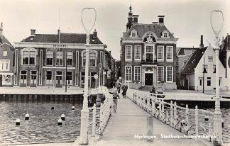Ansichtkaart Harlingen Stadhuis Noorderhaven en Raadhuisbrug Hotel Restaurant De Beurs 1957 HC24364