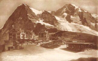 Ansichtkaart Zwitserland Kleine Scheidegg Bahnhof Jungfraubahn met trein Station Spoorwegen Schweiz Suisse Switzerland Europa HC24461