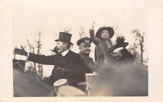Ansichtkaart 's-Gravenhage Huldiging Koningin Wilhelmina en Prinses Juliana na mislukte staatsgreep op het Malieveld Fotokaart 23november 1918 Koningshuis HC24492