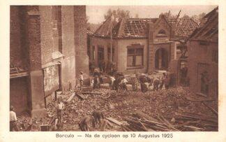 Ansichtkaart Borculo Verwoeste bank van de Geldersche Crediet Verzekering Na de cycloon op 10 Augustus 1925 HC24559