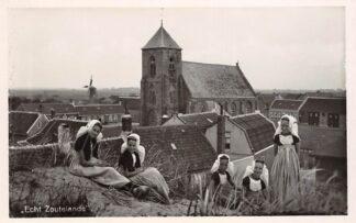 Ansichtkaart Zoutelande Echt Zoutelande Molen Meisjes in klederdracht Walcheren Veere HC24735