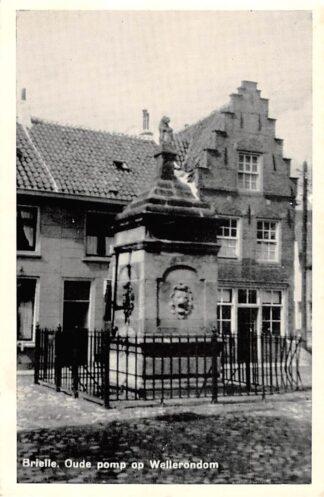 Ansichtkaart Brielle Oude Pomp op Wellerondom 1956 HC24751