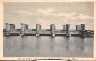 Ansichtkaart Wieringen Wieringermeer Een van de 3 complexen van de 5 uitwateringssluizen te Den Oever Zuiderzee IJsselmeer HC25103