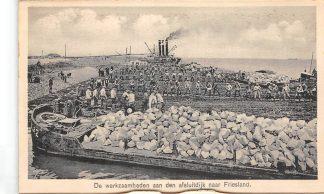 Ansichtkaart Wieringen De werkzaamheden aan den afsluitdijk naar Friesland Wieringermeer IJsselmeer Zuiderzee HC25112