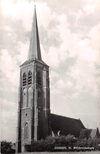 Ansichtkaart Diessen St. Willibrordus kerk 1968 Hilvarenbeek HC25904