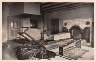 Ansichtkaart Velsen Crematorium Gedemonteerde kist voor geopende Oven II Begraafplaats Westerveld HC25935