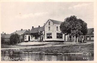 Ansichtkaart Well (LB) Hotel 't Veerhuis aan de Maas Maasdriel Ammerzoden HC25984