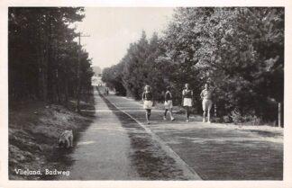 Ansichtkaart Vlieland Badweg 1953 HC26015