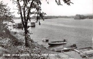 Ansichtkaart USA Sabula Iowa Scene of Mississippi River Fotokaart 1961 Noord-Amerika HC26075