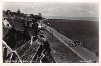 Ansichtkaart Harderwijk Boulevard met IJsselmeer 1956 HC26098