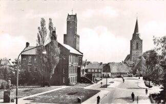 Ansichtkaart Winterswijk Gemeentehuis en St. Jacobstoren 1960 HC26164
