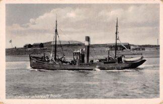 Ansichtkaart IJmuiden Uitvarende Trawler IJm 77 Visser schip HC26169