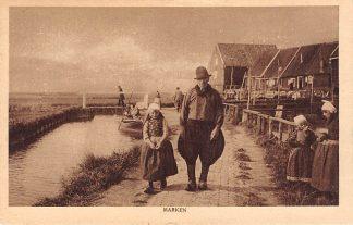 Ansichtkaart Marken Visser met kind in klederdracht 1922 HC26267
