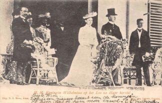 Ansichtkaart Apeldoorn H.M. Koningin Wilhelmina op het Loo na Haar herstel Koningshuis HC26448