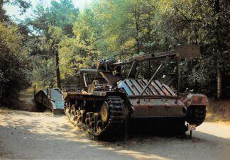 Ansichtkaart Overloon Nationaal Oorlogs- en Verzetsmuseum Museumpark Valentine Mk 11 Bruggenlegger Engels Tank Militair HC26489