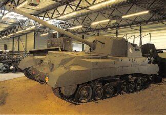 Ansichtkaart Overloon Nationaal Oorlogs- en Verzetsmuseum Tank Militair HC26419