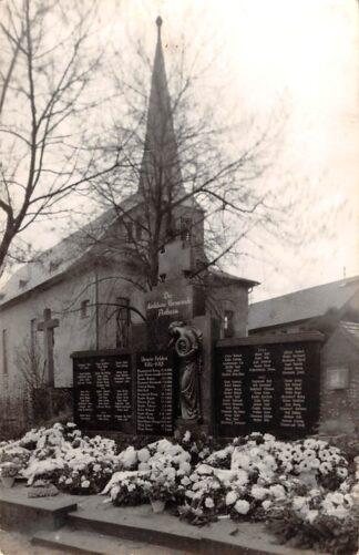 Ansichtkaart Duitsland Astheim Fotokaart monument WO1 en WO2 Deutschland Europa HC26588