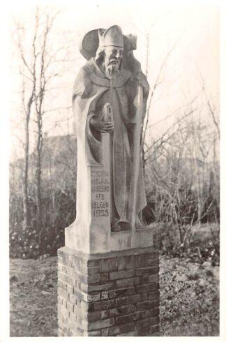 Ansichtkaart Heiloo Bedevaartsplaats O.L. Vrouwe ter Nood Beeld van Willibrordus Monument Geschenk Ned. R.K. Bond Afd. Velsen HC26676