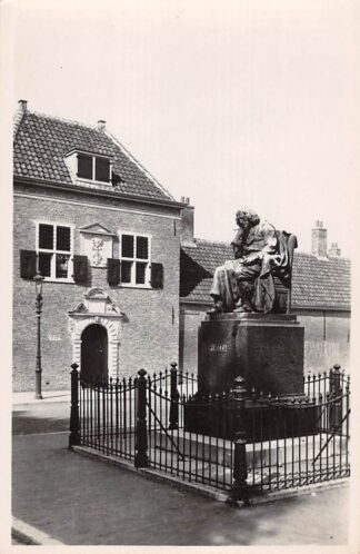Ansichtkaart 's-Gravenhage Standbeeld Spinoza Monument HC26678